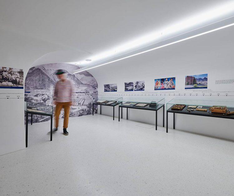12259_200-J-Ausstellung_079_by_Marcel-Hagen_studio2245